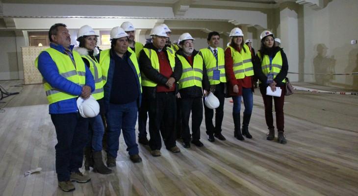 Autoridades verificaron importante avance en restauración del Teatro Cervantes de Valdivia